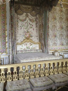 The Queen's bedroom (with summer decorations); decorations (bed coverings, draperies) were changed seasonally.